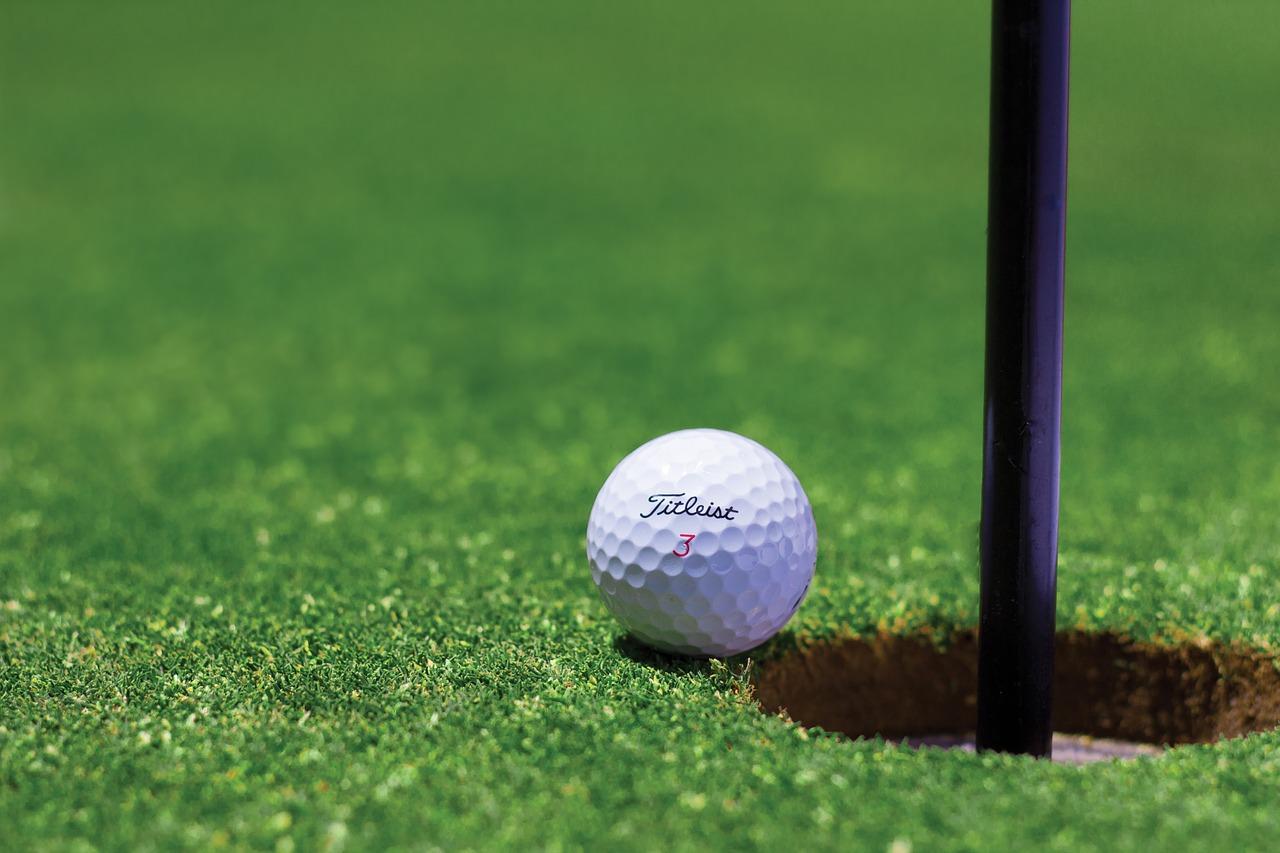ゴルフ初心者の集中パット練習