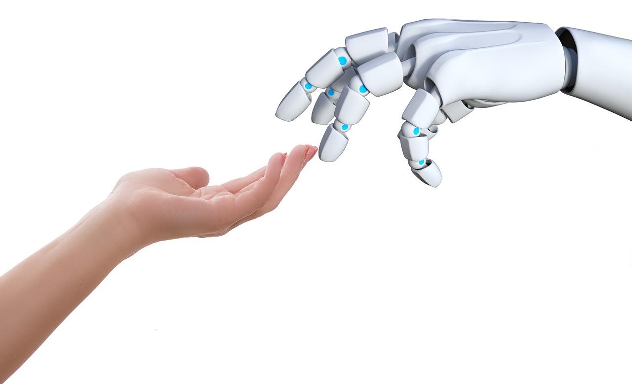 ロボット産業の介護分野への応用を推進する経済産業省